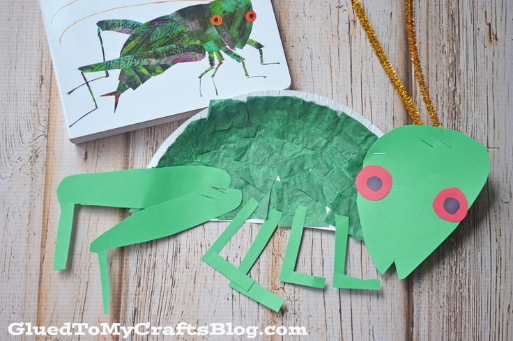 Just like ALL our kid friendly crafts & tutorials on the blog – this Paper Plate Cricket activity is super simple, fun for all ages and really inexpensive too! Did I mention it also goes along perfectly with the book The Very Quiet Cricket {affiliate link} by Eric Carle! One day a tiny cricket is born and …
