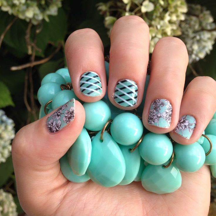 Amazing mixed manicure of Jamberry wraps and lacquer. The real is super fun for summer! #SereneJN #LagoonJN #OverlapJN