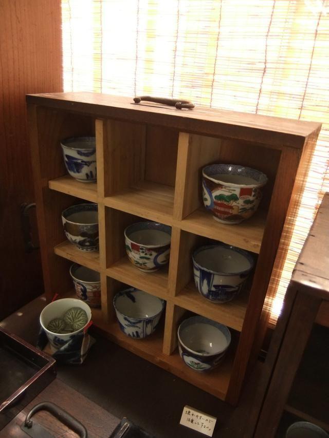 究極の「見せる収納」!和箪笥のリメイクインテリア実例 -古い家具と暮らす生活- - Column Latte