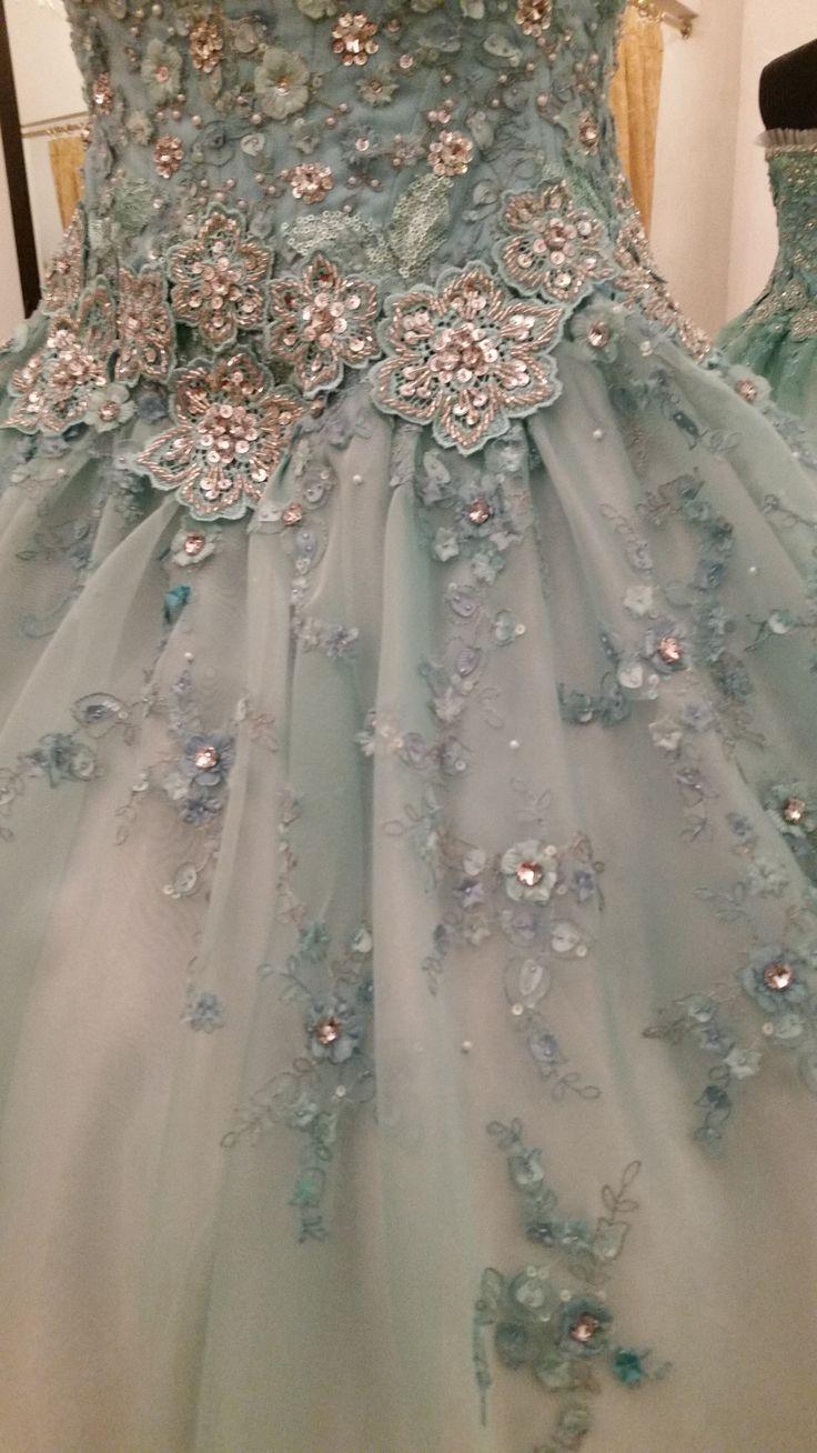 [#PacoMayorga] Azul serenity es el color para este diseño de XV años, bordado con pedrería en color plata y falda en organza degradé  #AltaCostura #DiseñadordeModas #DiseñadoresDeMexico #DiseñadorPacoMayorga Citas al (961) 61 3 71 93