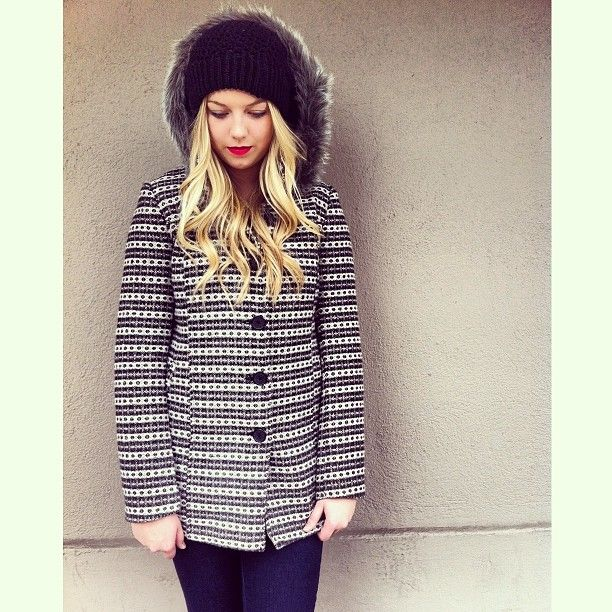 Trending now: Cozy jackets with faux fur detailing!! Perfect for weekend wear on a chilly day!! Featuring our very own Taylor!! #wallstreetclothing #coats #winterfashion #redlips