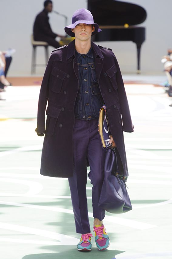 London FW S/S 2015 - Burberry Prorsum See all fashion show at: http://www.bookmoda.com/?p=12287 #summer #SS #catwalk #fashionshow #menswear #man #fashion #style #look #collection #london #fashionweek #burberryprorsum @Burberry
