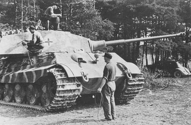 Königstiger with zimmerit of the schwere Panzer Abteilung 503. Tank number 301. France 1944
