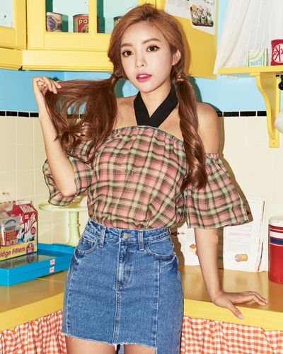 Cold Shoulder Halter Neck Plaid Blouse CHLO.D.MANON | #plaid #offshoulder #koreanfashion #kstyle #kfashion #seoul #dailylook #summertrend #cute #sweet #feminine #blouse