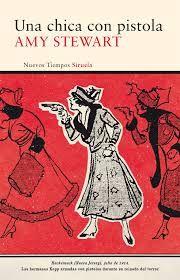 Constance Kopp, la enérgica heroína de Una chica con pistola, está hecha de la misma pasta que los grandes personajes de las novelas policiacas. Una mujer formidable, tan capaz de empuñar sin miramientos el revólver para atrapar a un criminal, como de soltar un exaltado alegato en favor de la condición de las mujeres. Constance Kopp fue la primera mujer en Estados Unidos en ser ayudante del sheriff, todo ello en una época en la que reinaba el machismo.