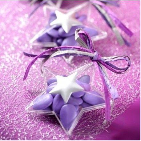 La boite à dragées en forme d'étoile en plastique transparent