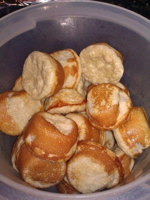 Vanilla Protein BlondiesProduits frais 1 Egg 3 Egg whites Conserves 1/2 cup Un sweetened apple sauce 2 scoops Vanilla protein powder Aides culinaires et épices 3/4 tsp Baking powder 1 tbsp Cinnamon 2 tsp Splenda brown sugar 1 tsp Vanilla extract