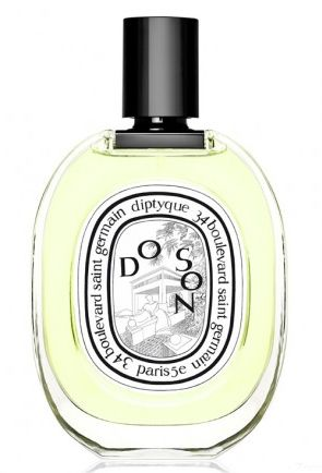 Do Son Diptyque | For something with lots of depth, but still a focus on a single note, look to Do Son. The complex notes line up to complement the star: tuberose.