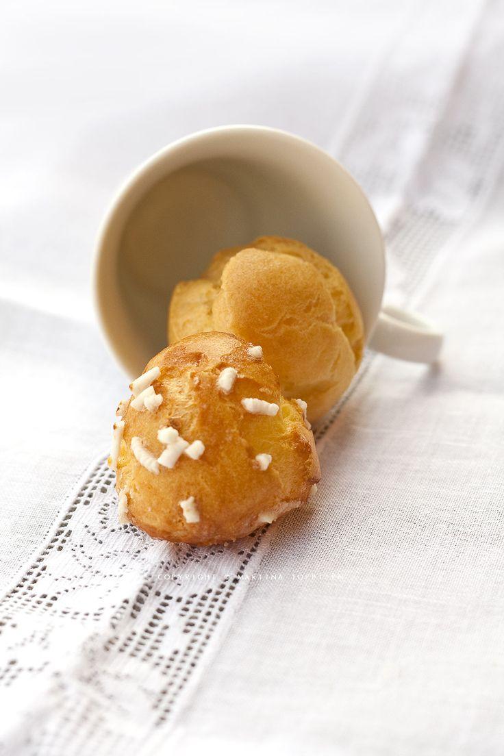 Chouquettes (bignè dolci di pasta choux con zuccherini)