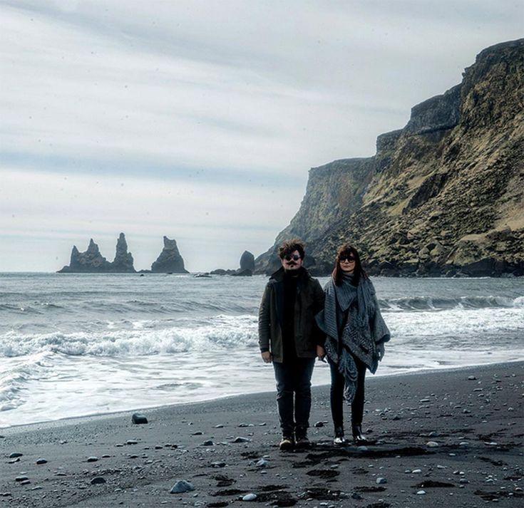 Dani Noce dá dicas de viagem e tudo o que você precisa saber para conhecer a praia preta, na Islândia.
