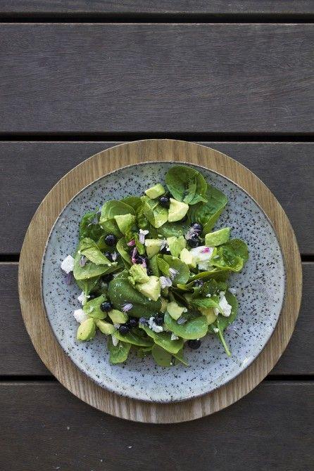 Spinat, feta, avocado og blåbær // Spinach, feta, avocado and blueberry