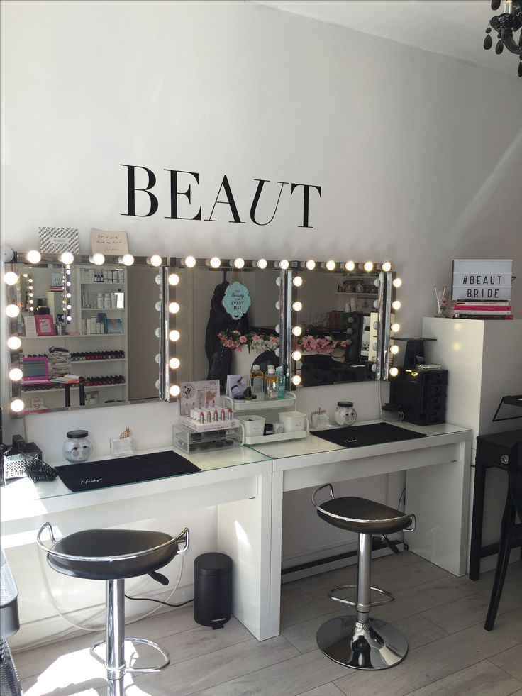 Make Up Stations for hire at our pretty make up studio in Shoreditch