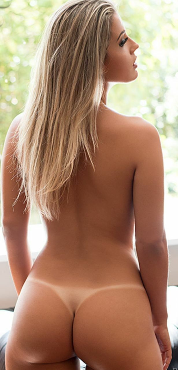 Tan lines on nude women