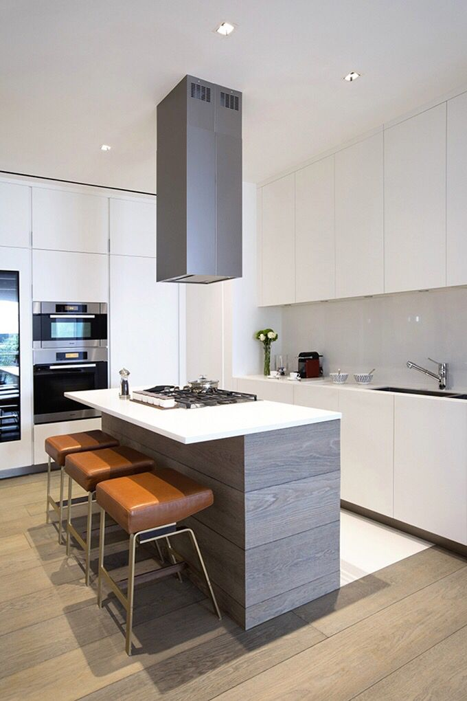 Белый в интерьере, дерево в интерьере, Кухня, кухонный остров