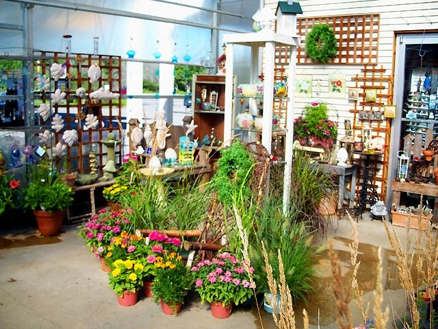 Flower shop interior shelves and lattice as wall for Designs east florist interior
