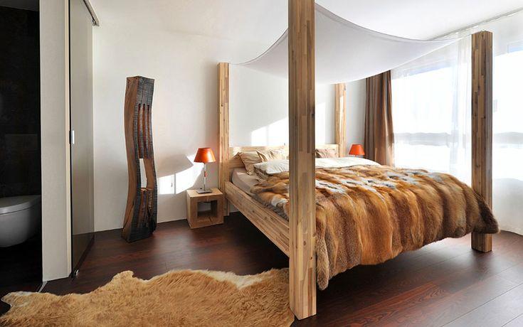 Letto in legno dal design originale camere da letto - Letto a baldacchino in legno ...