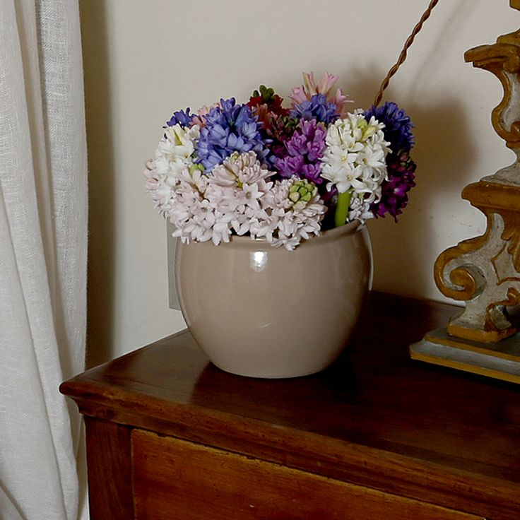 Cachepot tondo piccolo ceramica beige by San Marco #flowervase #bedrooms detail