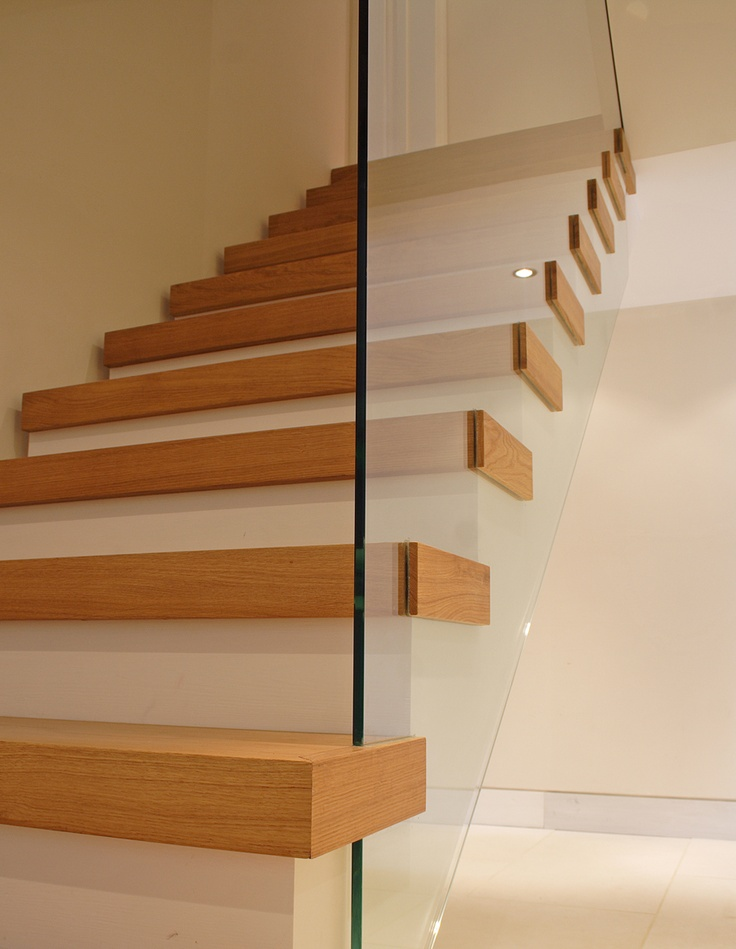 Oak stair detail, montague road, richmond upon thames. duncan foster architects