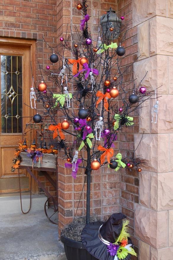 Halloween tree holidays | Halloween porch decorations ...