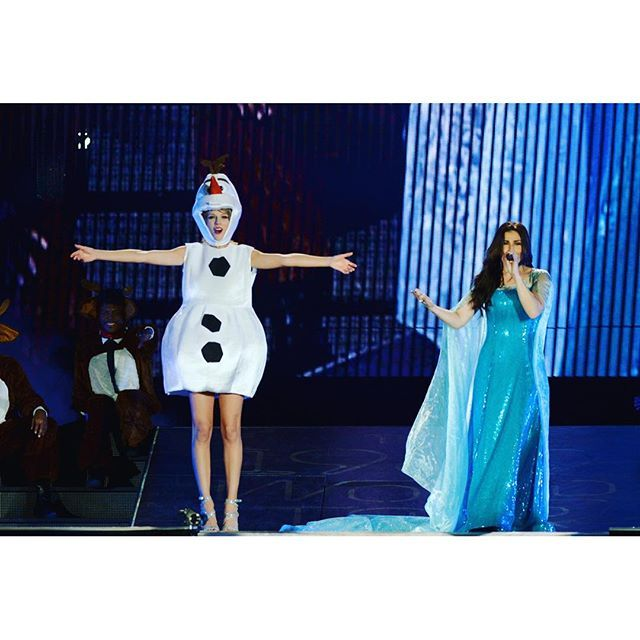 Frozen totally happened. And 55,000 people sang 'Let it Go' so loudly, it nearly took my breath away. Good times, #idinamenzel ☃