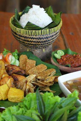 Paket Wisata Tour anda travel liburan murah di Bandung. Glamping Legok Kondang Lodge. tempat wisata Baru di Bandung Selatan tahun 2016, dengan konsep kembali ke alam.