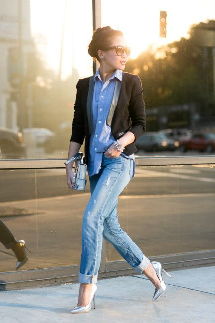 28 Amazing Street Style Combinations for Fall . Chambray + blazer + cuffed jeans + silver pumps