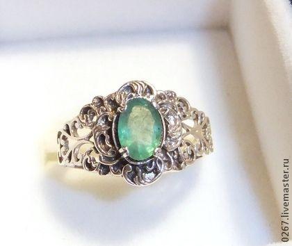 Кольцо серебряная филигрань с изумрудом «Бабушкино наследство» - серебряный