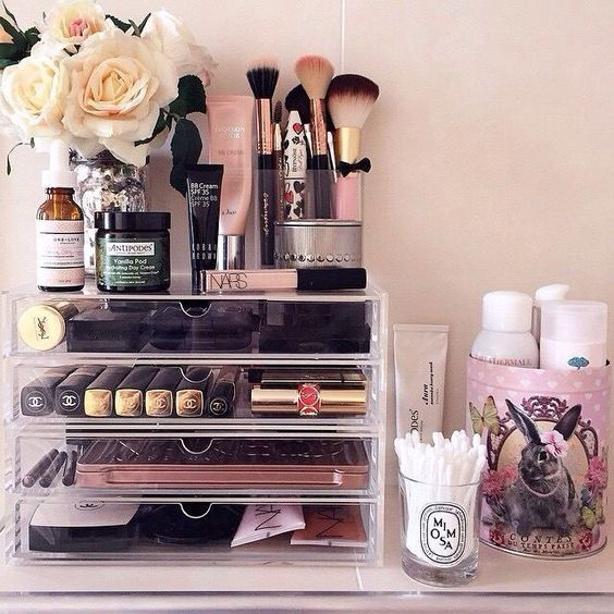 Beautiful makeup organization.  Acrylic drawers make it so easy.