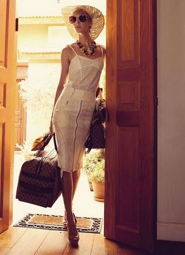 Dress well – comfortable, but stylish. Even though traveling isn't always the most pleasurable with hot weather and a full capacity plane, choose clothing that is stylish, but still comfortable. For example: a jersey dress, or a pair of boyfriend jeans and a simple silk blouse, and always wear layers so that you can have control somewhat over the temperature.