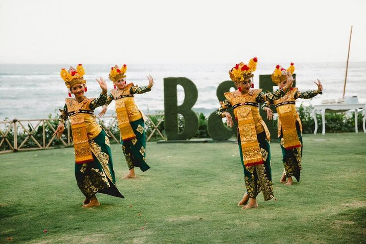 Legong Dancers / Balinese Dancers / Bali Wedding Entertainment
