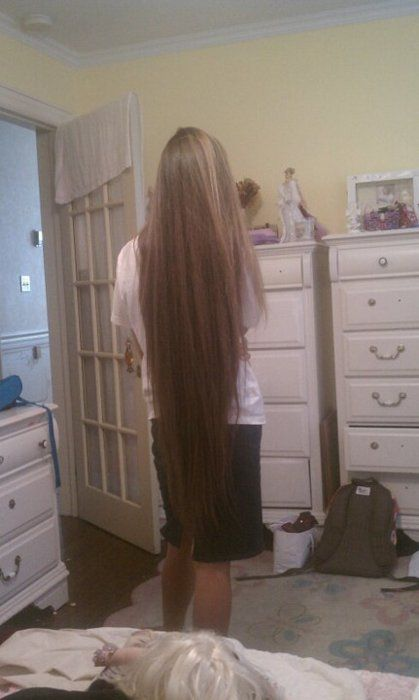 Apostolic/Pentecostal hair. Looks like mine when I take the time to straighten it. :)
