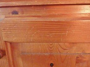 Wat een wondermiddel! Deze verantwoorde snack verwijdert echt alle krassen uit je houten meubels.