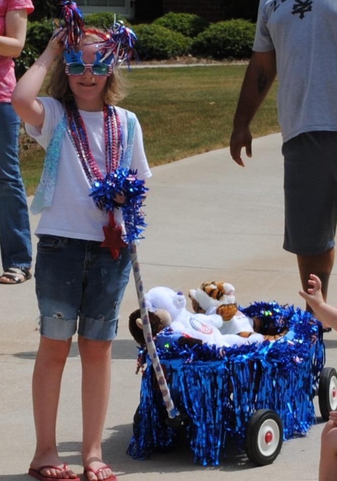 Kids Parade Float~ <3 nana gloria                                                                                                                                                      More