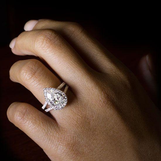 Split Shank Halo Setting For Pear Shape Diamond in Yellow Gold - R3047