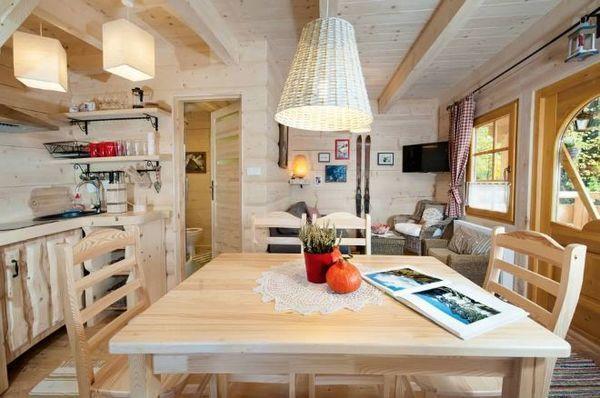 Hyggeligt bjælkehus på 27 kvadratmeter – her kunne jeg flytte ind med det samme | Newsner