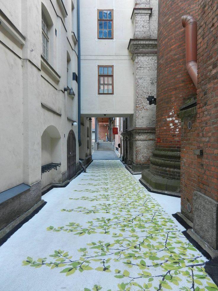 Finlayson Art Arean ansiosta Tampere on kenties koko Suomen värikkäin kaupunki. Finlayson Art Area tuo väriä Tampereelle koko kesän ajan.
