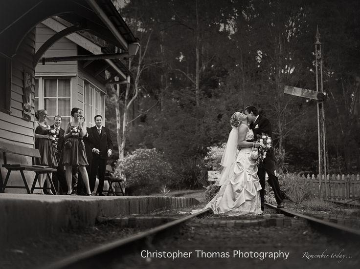brisbane wedding photographer, old petrie town wedding