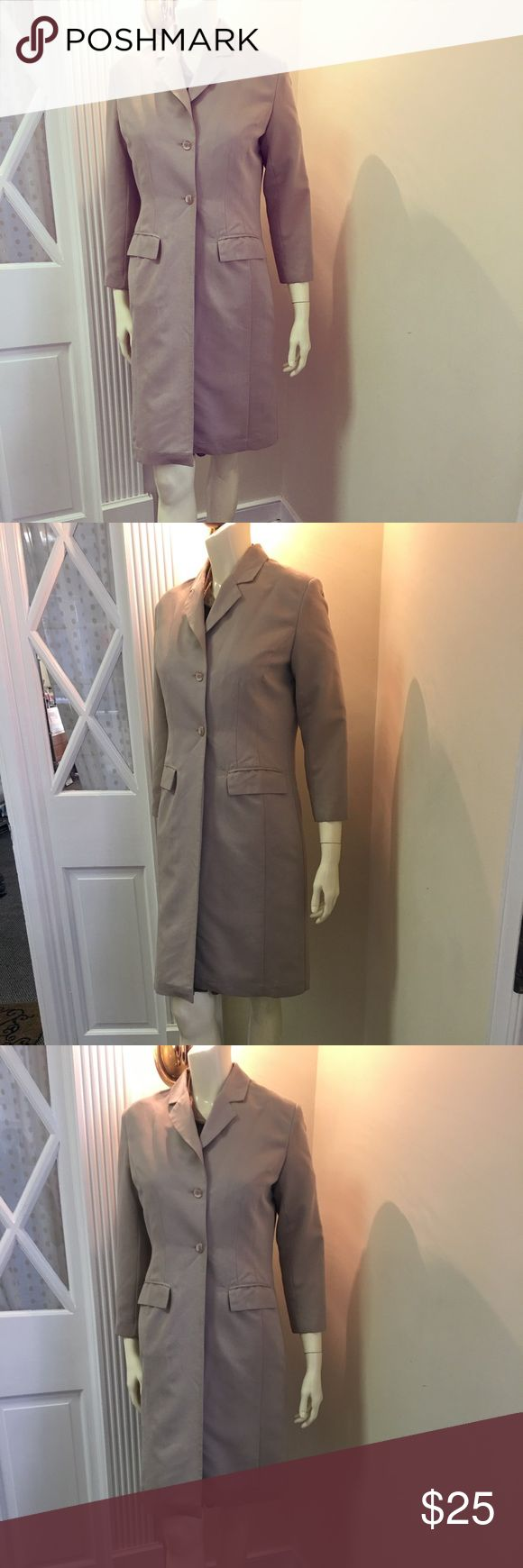 Boutique Blazer Women's Beige Europa Blazer  (Size 4)  Brand; Boutique Europa  Material; 70% Rayon 30% Polyester  Care; Dry Clean Only Boutique Europa Jackets & Coats Blazers