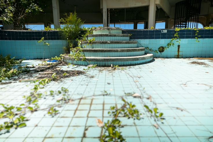 swimming pool, abandoned hotel, seychelles island
