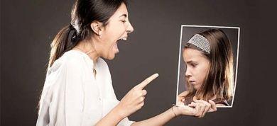 Μια εκπαιδευτικός και μαμά περιγράφει με τον πιο συγκινητικό τρόπο το κακό που νιώθει πως έκανε φωνάζοντας διαρκώς στα παιδιά της και πώς κατάφερε να αλλάξει συμπεριφορά και να έρθει πιο κοντά τους.