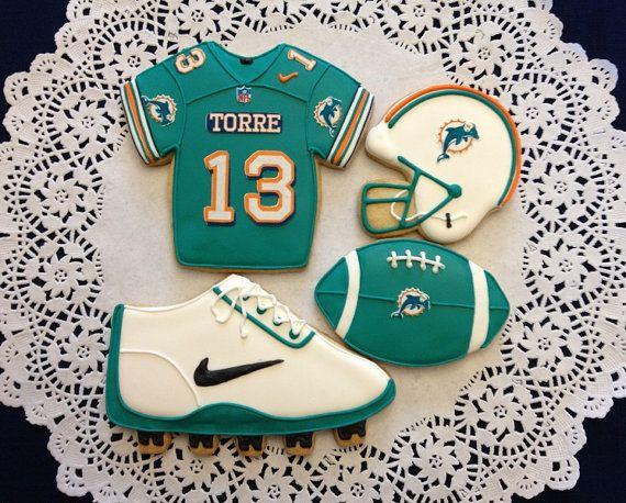 25  best ideas about football cookies on pinterest