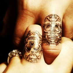 I want a dia de Los muertos wedding and this would be the perfect thing to do with my future hubby ❤❤