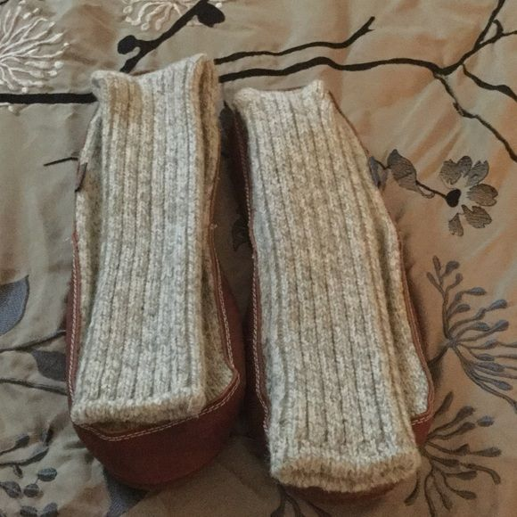 I just discovered this while shopping on Poshmark: Acorn Slippers. Check it out!  Size: 12-13, listed by jmw88