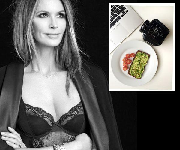 Το μυστικό της Elle MacPherson είναι η καθημερινή άσκηση, ο διαλογισμός και το «Super Elixir», μια σκόνη φτιαγμένη από την προσωπική της γιατρό  Dr Simone Laubscher, από διαλεχτά βότανα και συστατικά την οποία προσθέτει τους χυμούς, τα smoothies αλλά και στη σαλάτα της.Το μοντέλο από την Αυστραλία πρόσφατα αποφάσισε να μοιραστεί με τις φαν και τις γυναίκες την μυστική αυτή φόρμουλα.. http://pressmedoll.gr/to-magiko-elixirio-ke-i-chrisi-kanones-tis-elle-macpherson-gia-tin-omorfia/#st