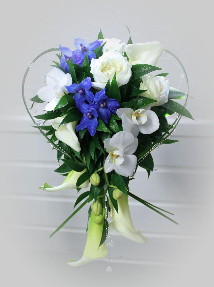 Brudebukett i hvitt og blått