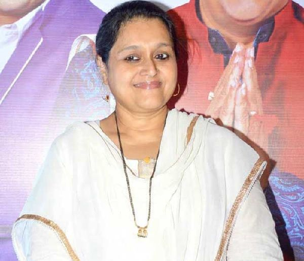 Supriya Pathak opens up about artists returning their awards?