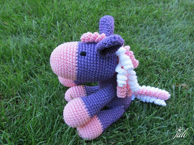 fialový koník