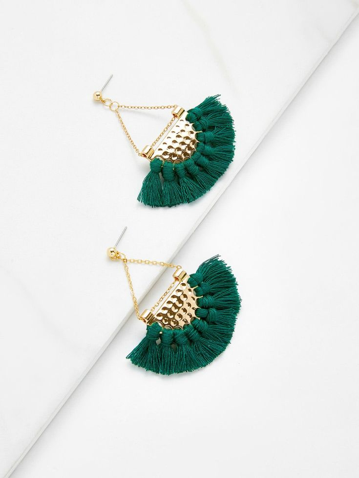 No Stone. Gold colored metal. Dangle Perfect choice for Casual wear. Designed in Green.