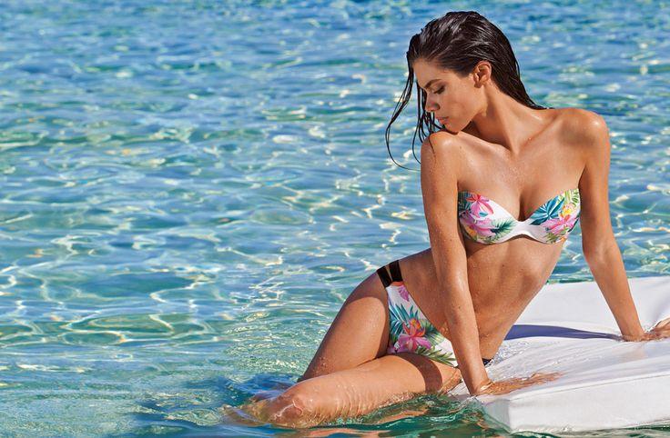 #Bikinis #bikiniflores #SaraSampaio #calzedonia #biquinis #biquini #bañadores #estampadosTropicales #verano #playa