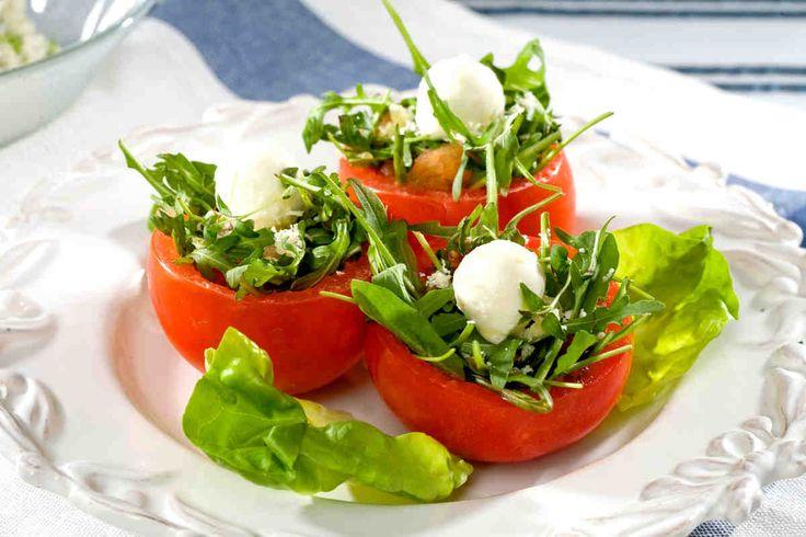 Nadziewane pomidory. #pomidory #mozzarella #rukola #smacznastrona #tesco #przepisy #przepis